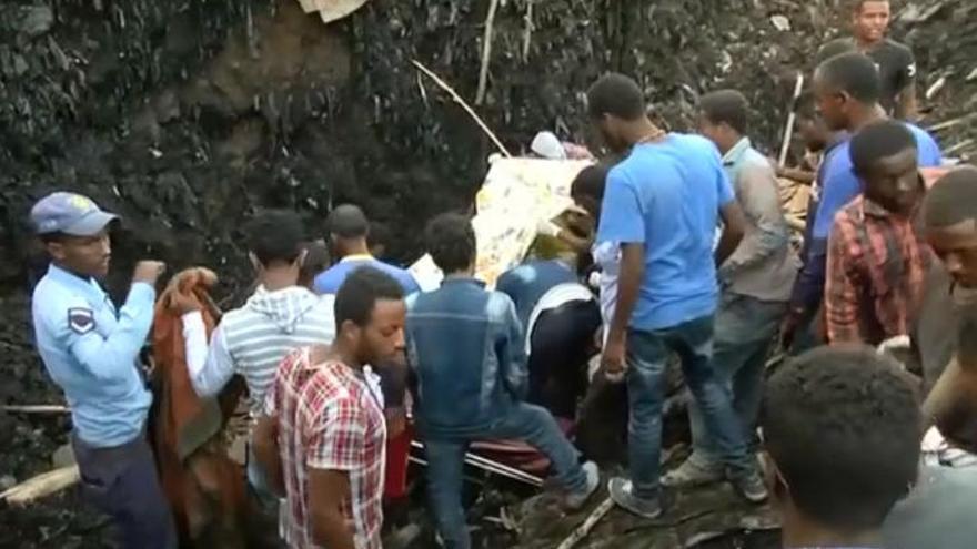 Ya son 65 los muertos por un derrumbe en un vertedero en Etiopía