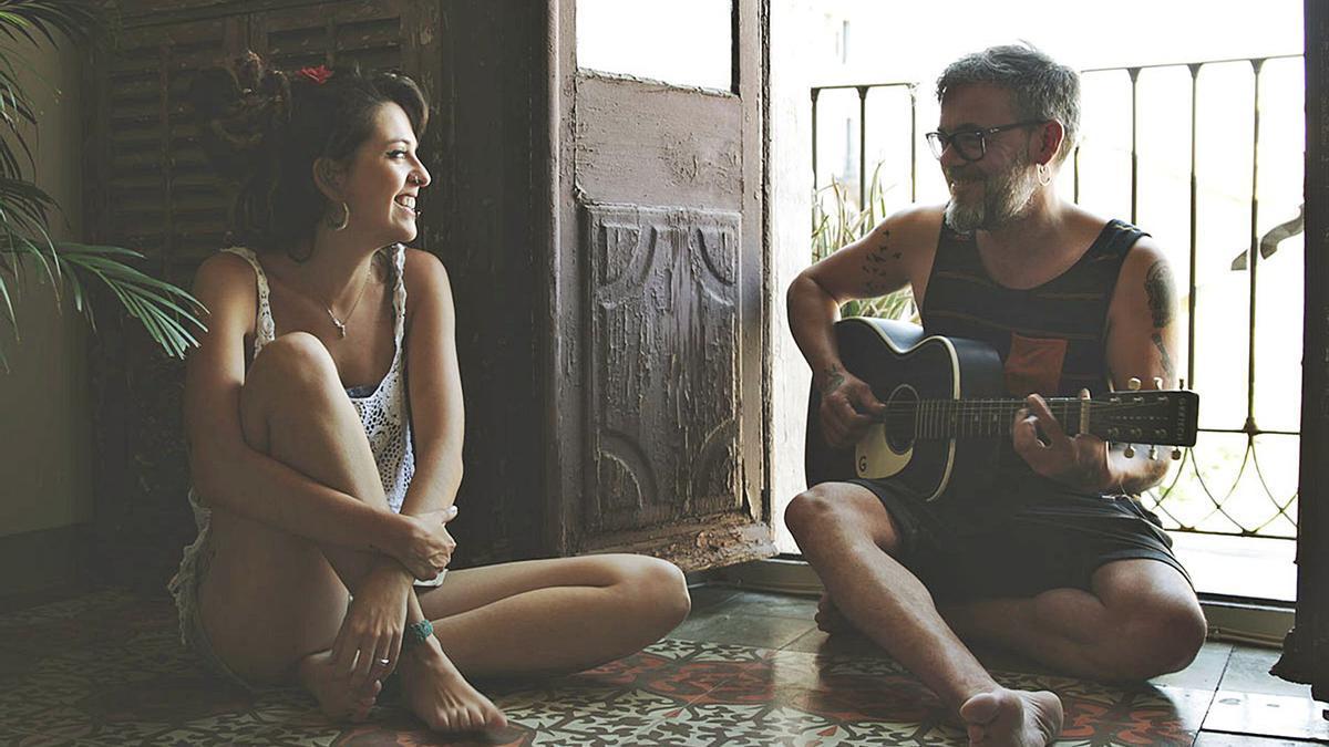 Mar Martínez i Txevi Clemente van crear La Prima Vera l'hivern del 2018 i un any després treien el seu primer EP, «Llegar»  | LA PRIMA VERA