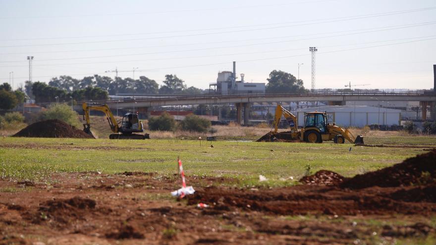 Arrancan las catas arqueológicas en los terrenos del parque logístico de Córdoba donde se instalará Amazon
