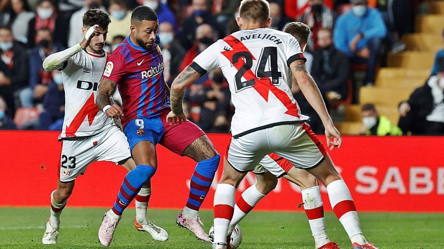 El Rayo fa encara més gran la ferida d'un Barça en clar declivi