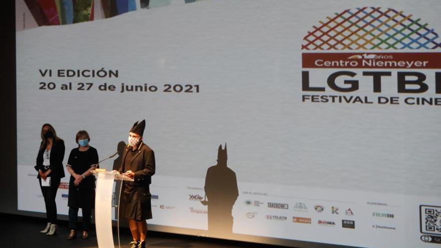 "El Festival de Cine LGTBI abre con un alegato a favor del feminismo: ""Enseña a ver más allá"""