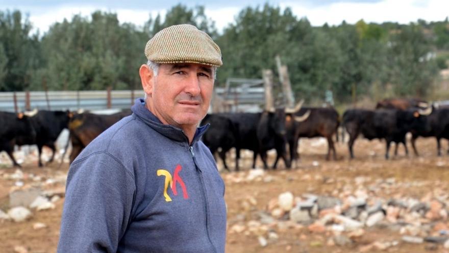 """Machancoses: la """"pasión"""" de un ganadero frente a la """"ruina"""" del coronavirus"""