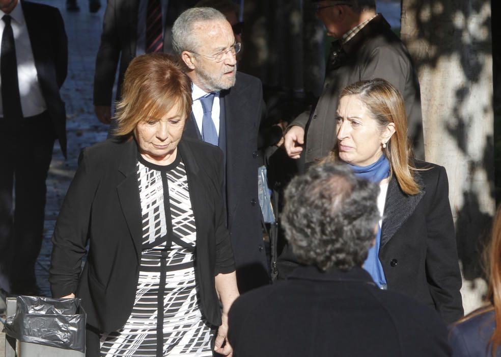 Celia Villalobos junto a Ana Pastor