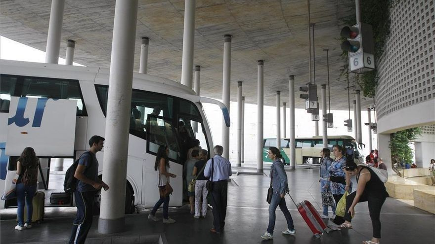 La Junta incrementa los servicios de autobús entre Villafranca y Córdoba