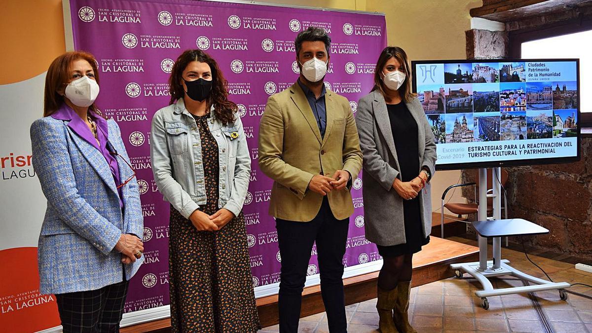 Elvira Jorge (edil de Patrimonio), María José Roca (Turismo), Luis Yeray Gutiérrez (alcalde) y Yaiza López (Cultura). | | E.D.