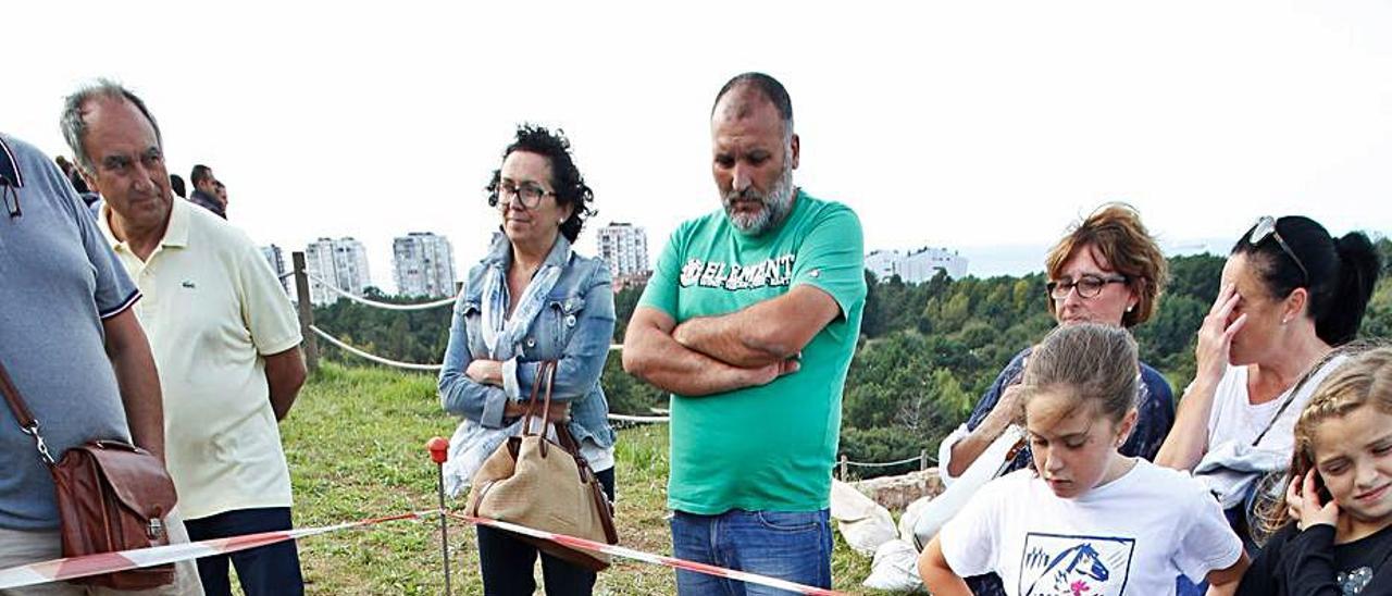 Aljibe que surtía de agua a los moradores del castillo de Gauzón y que fue localizado por los arqueólogos hace una década. | Ricardo Solís