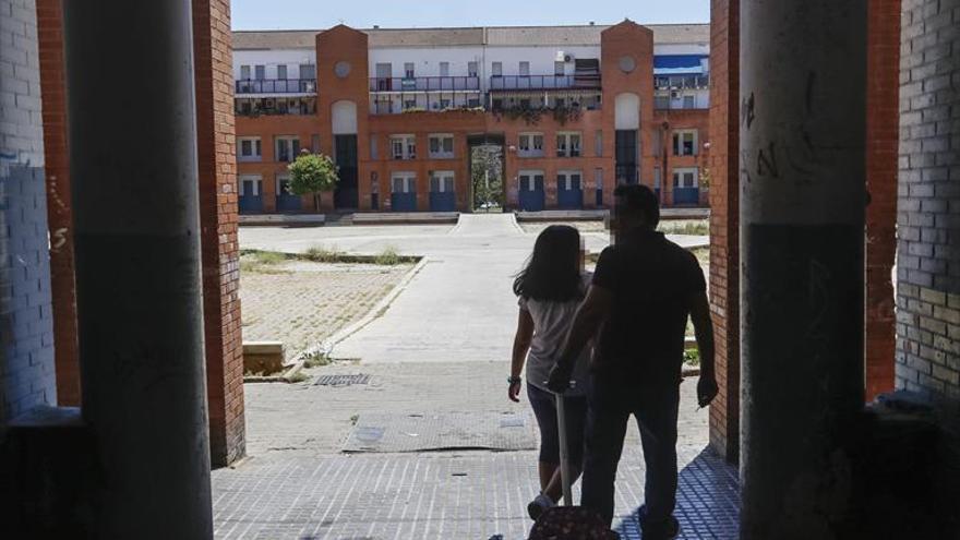 Los barrios pobres siguen a la espera del refuerzo de personal en Asuntos Sociales