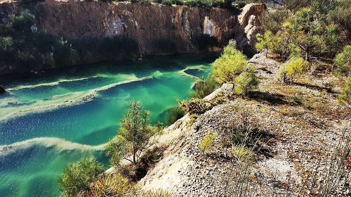 Gravera ubicada en terrenos expropiados a la comunidad de montes de Setados, en As Neves.     // D.P