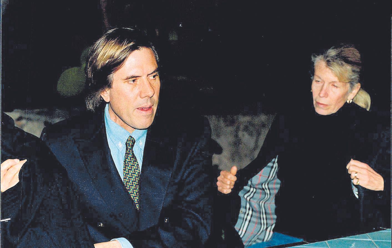 El multimillonario Christopher Skase junto a su esposa Pixie, en Mallorca.