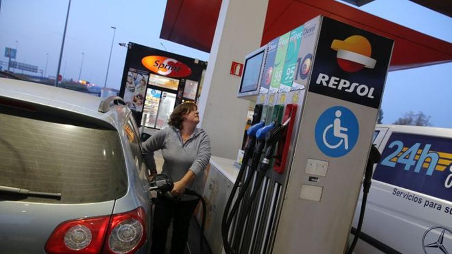 El precio de la gasolina vuelve a subir en su agosto más caro desde 2013