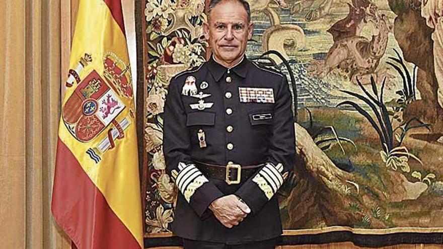 El mallorquín Bisbal Pons, al frente de la formación de los militares españoles
