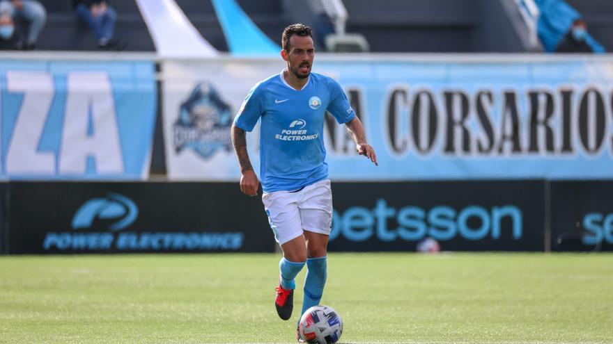 La UD Ibiza anuncia que Manu Molina sufre un tumor