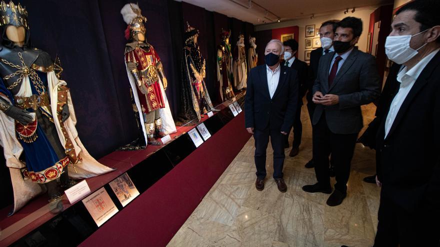 El presidente de la Diputación visita Alcoy en el Día de San Jorge
