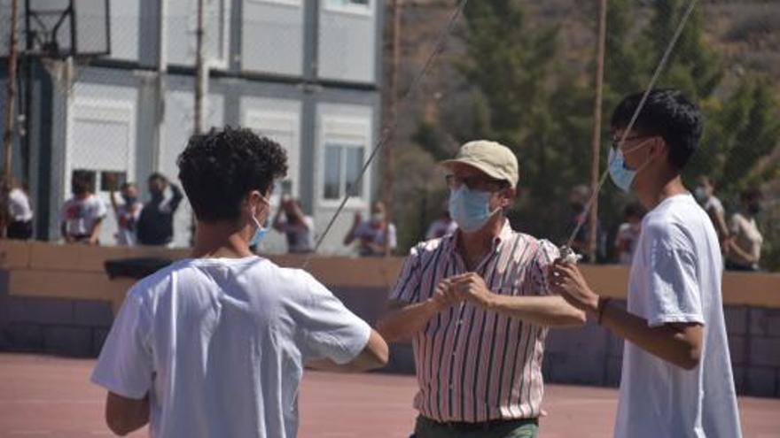 El Colegio Arenas homenajea  al profesor  José Caballero  en una olimpiada especial