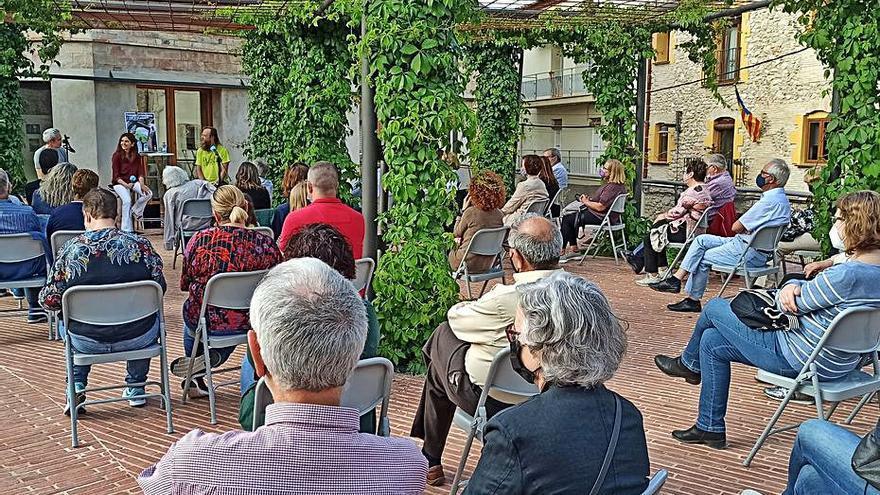 Les tardes literàries reactiven l'espai del Cau de Vilafant