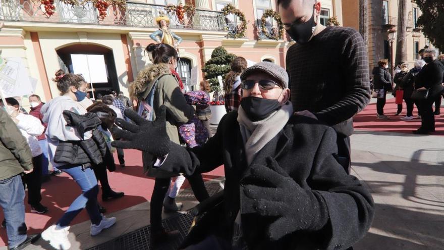 Vecinos de La Paz lanzan un SOS a Ballesta para que agilice el plan de Rejas
