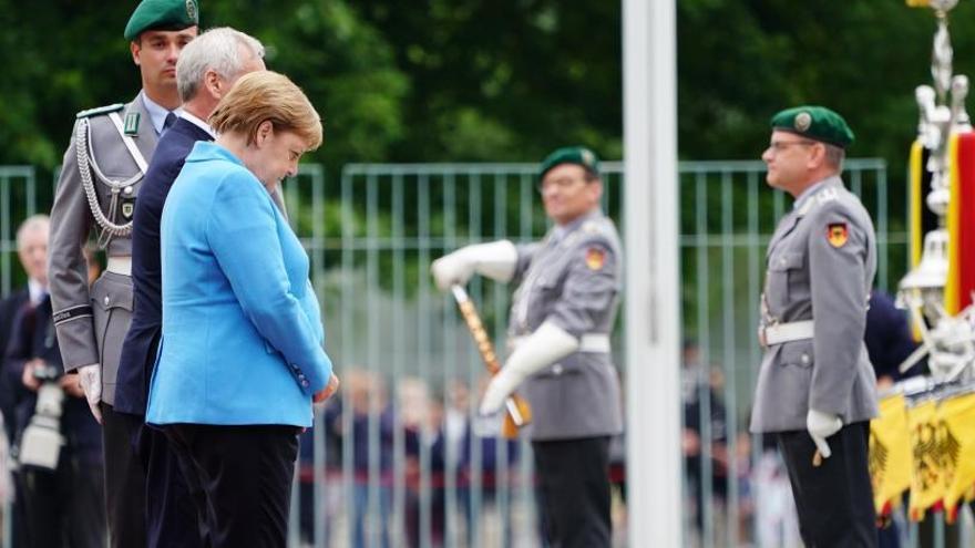 Párkinson, esclerosis...¿Qué le pasa a Angela Merkel?