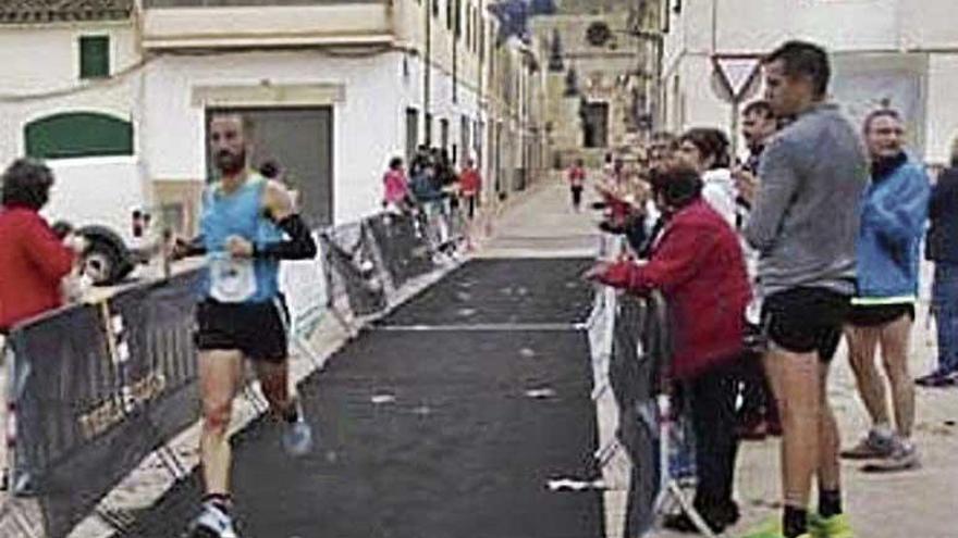 Toni Gran y Marga Fullana se imponen en la Cursa des Tro