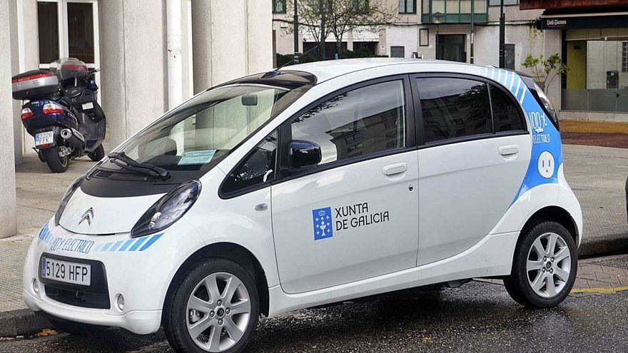 La Xunta renovará su parque móvil con la compra de 820 coches híbridos y eléctricos