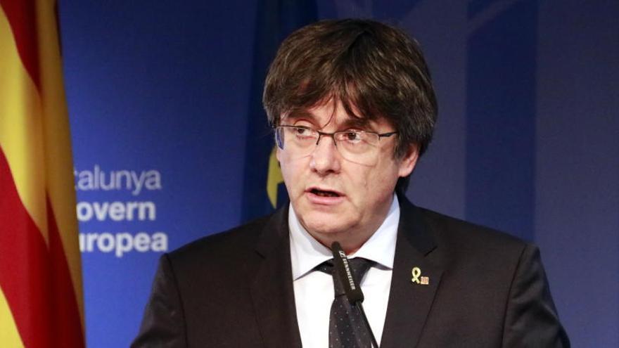 Puigdemont crida a «mobilitzar-se sense defallir i sense por»