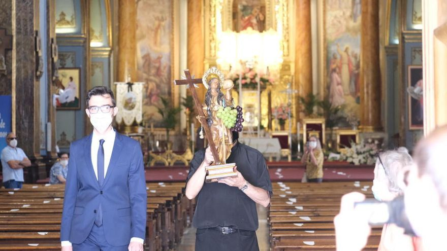 Nombramiento como alcaldesa honorífica perpetua de Novelda a la patrona Santa Maria Magdalena