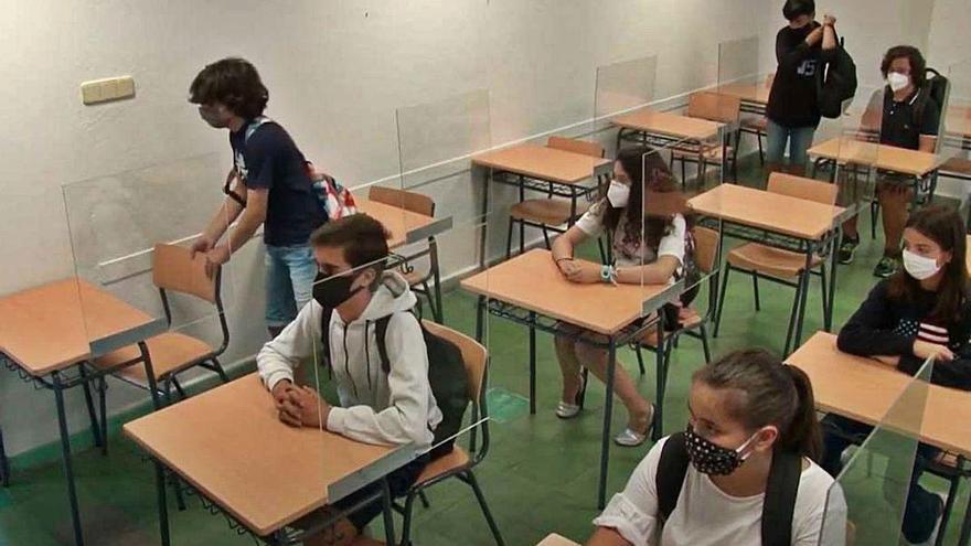 Casi 27.000 alumnos de Secundaria regresarán a clase en los próximos tres días