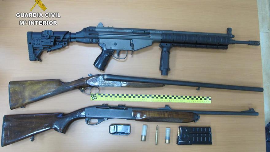 Intervienen armas de caza en una batida de jabalís en Espadilla