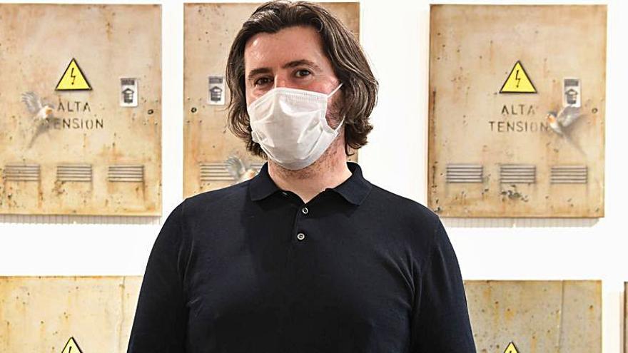Estefan Lupea inaugura en la galería Xerión su exposición de pintura 'Hilo conductor'