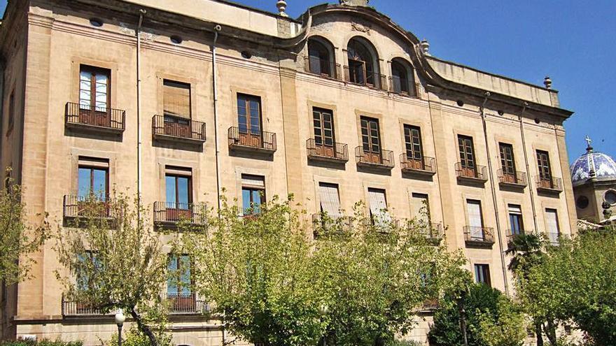 Cultura protegeix l'entorn del palau episcopal i la catedral de Solsona