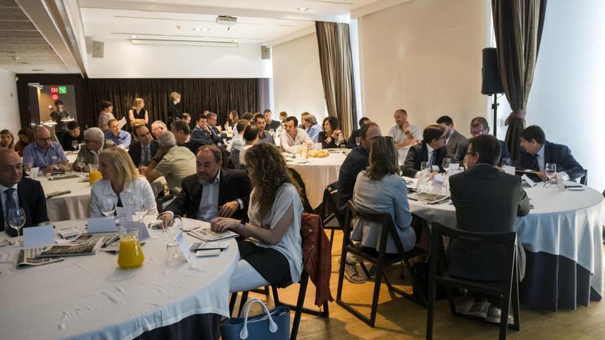 Una jornada del BBVA i Regió7 explica a les pimes de Manresa com exportar