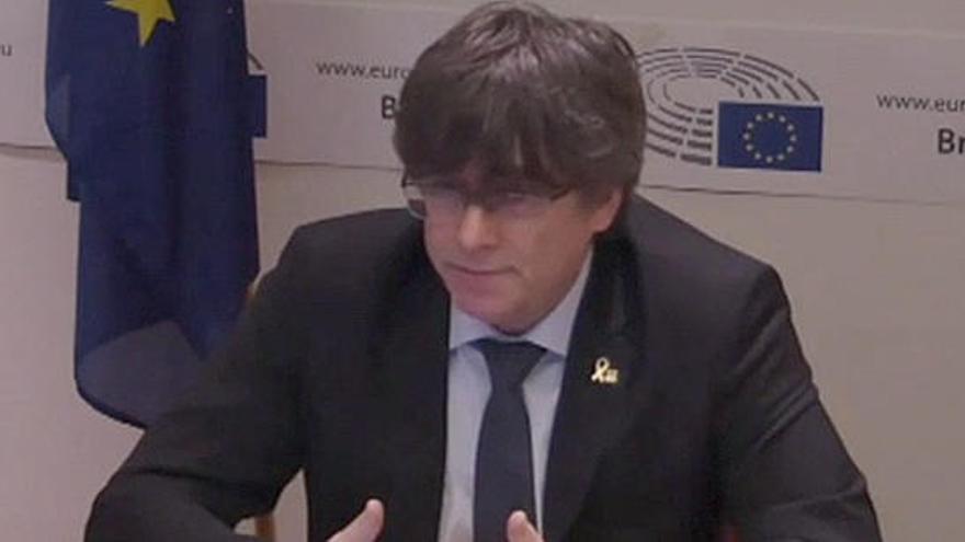 """Puigdemont se ratifica en la declaración de independencia: """"Era la única opción digna"""""""