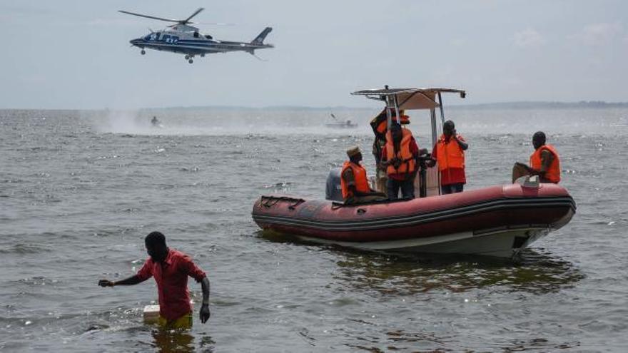 Al menos 31 muertos en un naufragio de un barco de lujo en el Lago Victoria