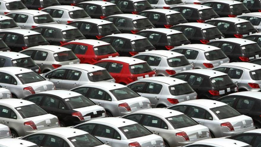 La venta de coches se hunde un 45 % en julio pese al recorte de impuestos