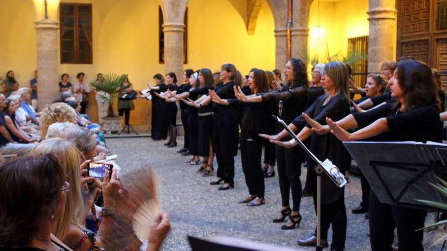 Concierto del coro Valle de Aguas en el Hospital de la Piedad