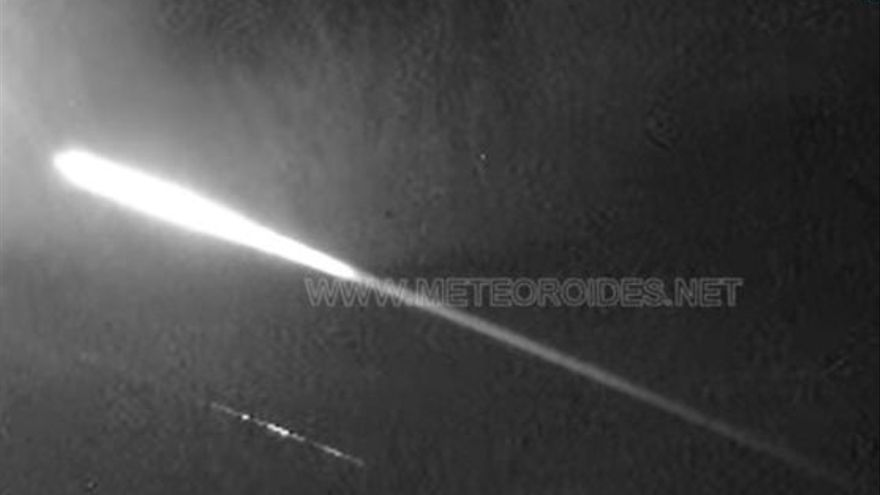 Detectan una bola de fuego sobrevolando València a 90.000 km/hora