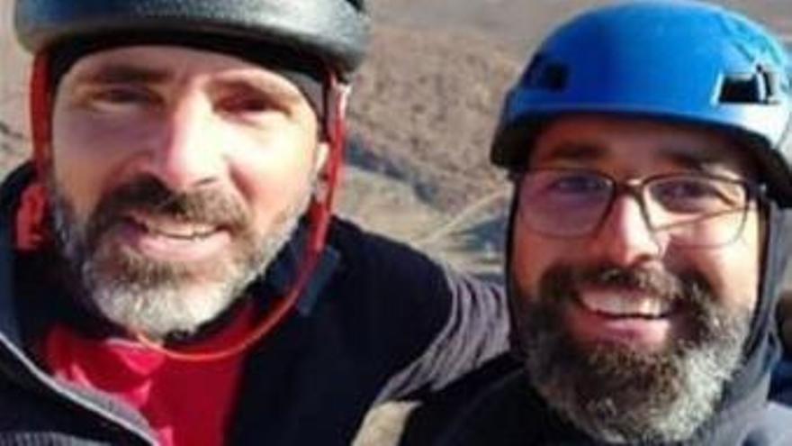 Granadilla llora la muerte de los dos montañeros Óliver Darias y David Gómez