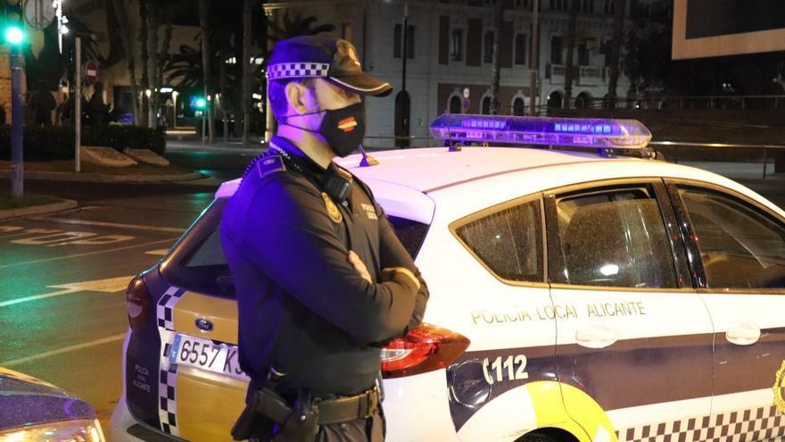 Detenidos tres jóvenes de nacionalidad española y argelina por un presunto delito de hurto de un teléfono de alta gama en Alicante