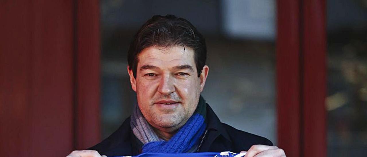 Carlos Mario, con la camiseta del Oviedo.