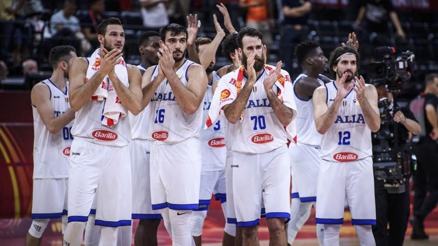 Alarma en la selección italiana de baloncesto por el positivo de un periodista
