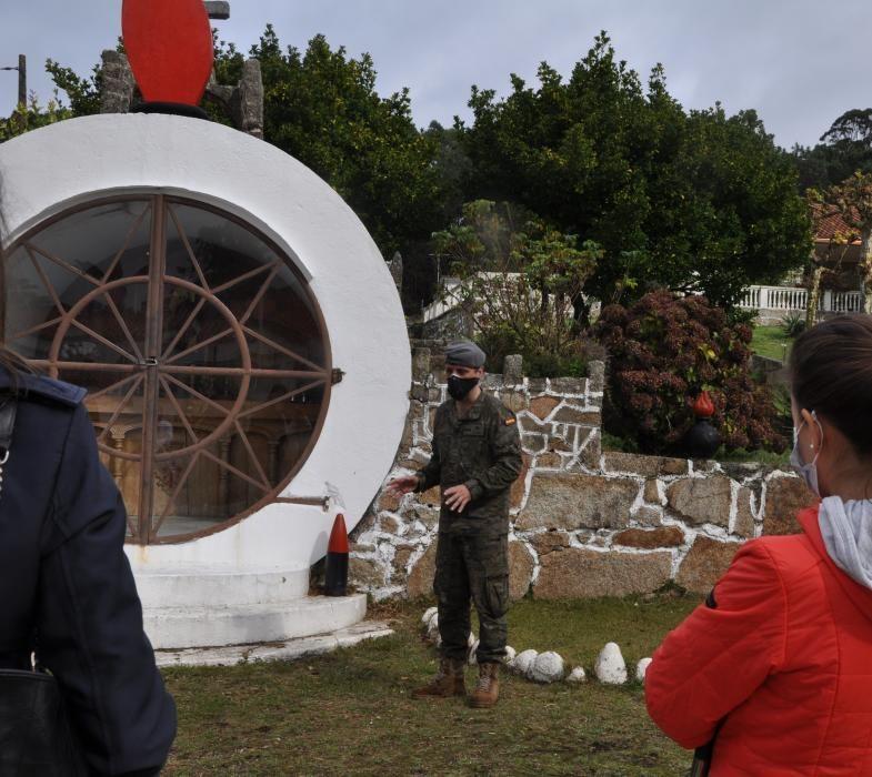 Visita inédita a la batería militar de O Grove