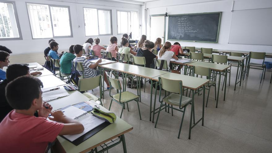 El Ayuntamiento de Palma modifica la entrada de 23 colegios para facilitar el acceso distanciado de los alumnos