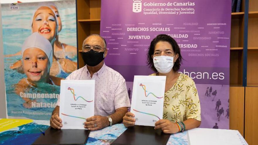 El Gobierno de Canarias y la Federación de Natación dan brazadas en pos de la igualdad