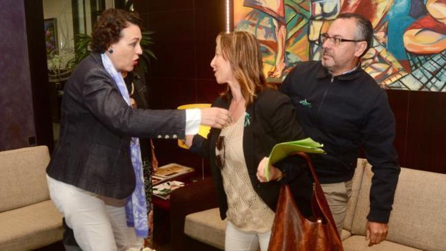 Representantes de Ence logran reunirse con Magdalena Valerio en Pontevedra
