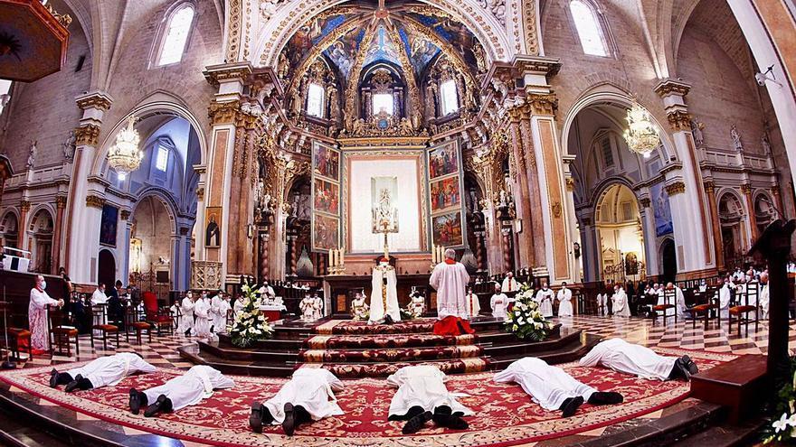 El cardenal Cañizares a los nuevos sacerdotes: «Sin Jesucristo nos vamos a pique»