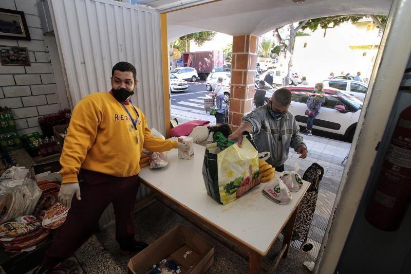 Enrique Arriaga se reúne con la asociación de vecinos del barrio de García Escámez