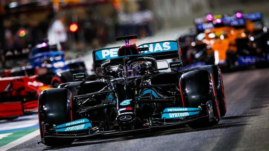 Hamilton s'imposa en la primera carrera del mundial de Fórmula 1 del 2021