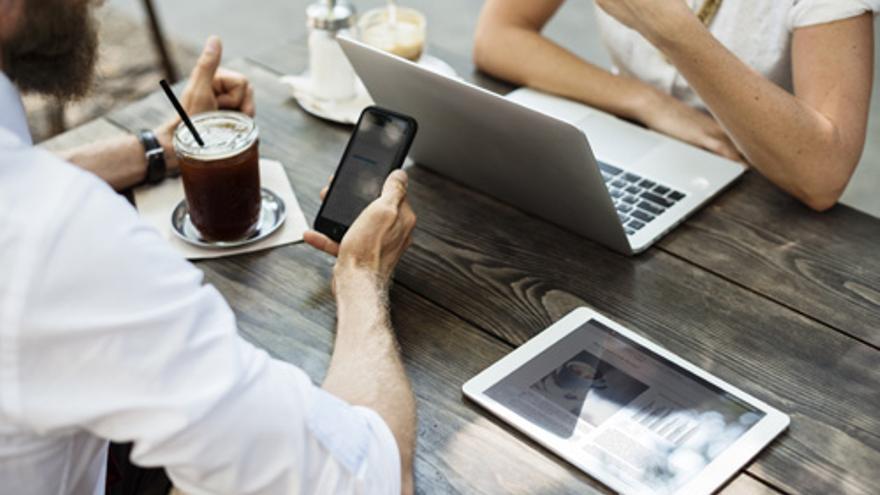Empresarios de El Goro se forman en la creación de sociedades digitales
