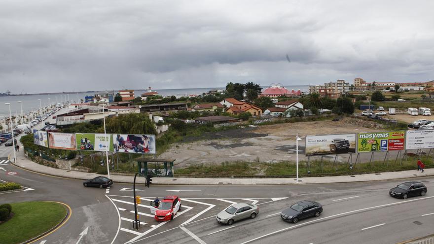 Las empresas aguardan a última hora para pujar por los terrenos de la Ería del Piles