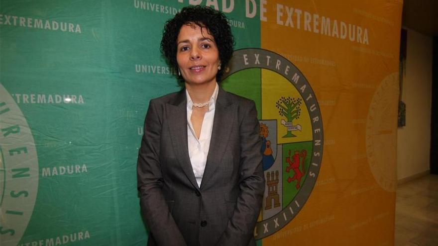 La exsecretaria de la UEx será juzgada por falsificar el título de su pareja
