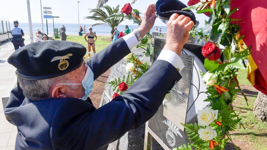 Acto de homenaje a los paracaidistas caídos en acto de servicio entre 1965 y 1979 en Maspalomas